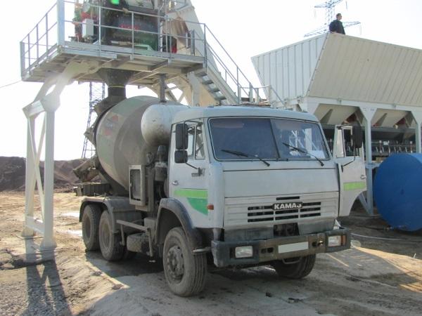 загрузка бетона на БСУ-1