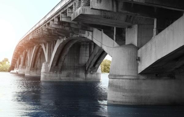 мост из бетона